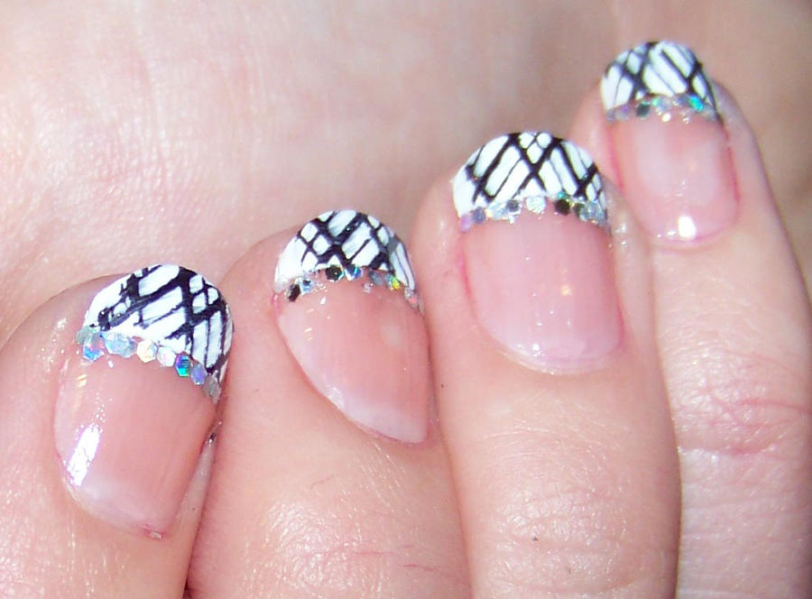 Nail art rose et noir : Nail art noir et blanc by cha h on deviantart