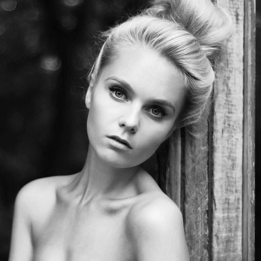 Photo by KirrStroganov
