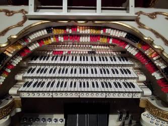 Phoenix Orpheum Theatre Organ by Theguywithcheez