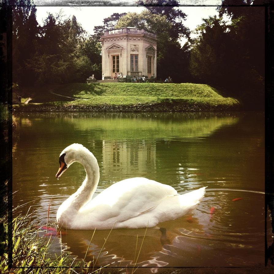 Marie Antoinette's Hideaway by elizabethunseelie