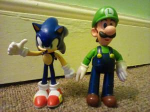 Sonic and Luigi figures by Jakks Pacific
