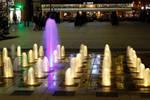 Illuminated fountain at night in Albi by Danelp