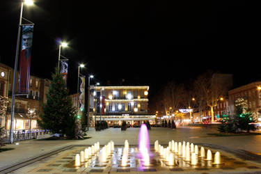 Place du Vigan lit up at night in Albi