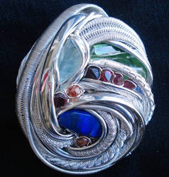 'Azote' - Reversable pendant by nonomie