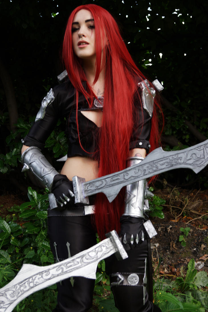 Katarina Cosplay - League of Legends by Feoranna on DeviantArt