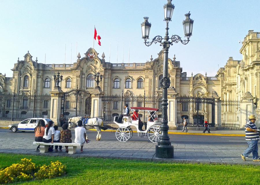 Lima - Plaza de Armas by lancelot29