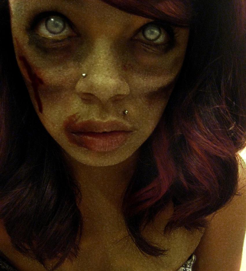 Zombie princess? by chelseaSMILEE