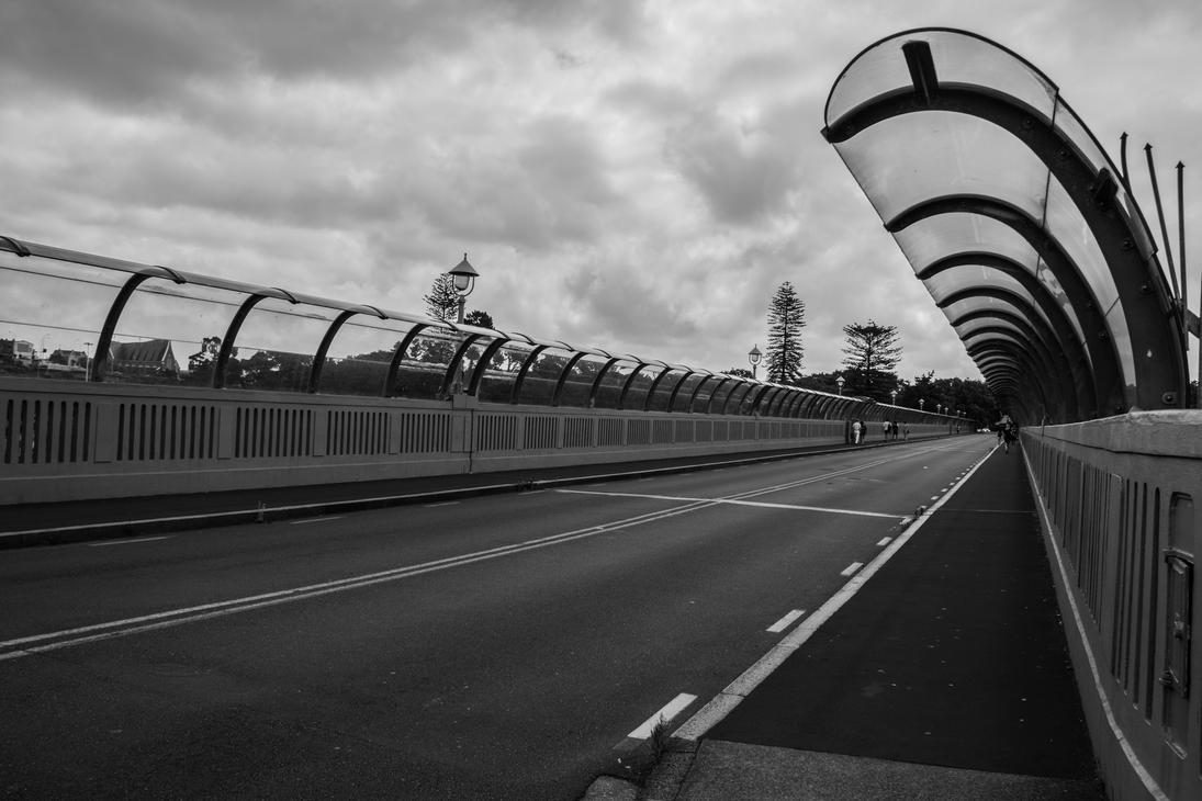 Grafton Bridge - Black and White by UberPickleMonkey
