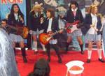 K On cast members performing