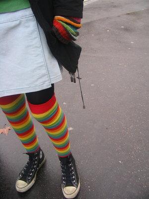 """Obrázek """"http://fc03.deviantart.com/fs12/f/2006/340/0/4/colorfull_by_punk_girl000.jpg"""" nelze zobrazit, protože obsahuje chyby."""