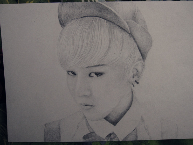 G Dragon Fantastic Baby G-Dragon Crayon fanart...