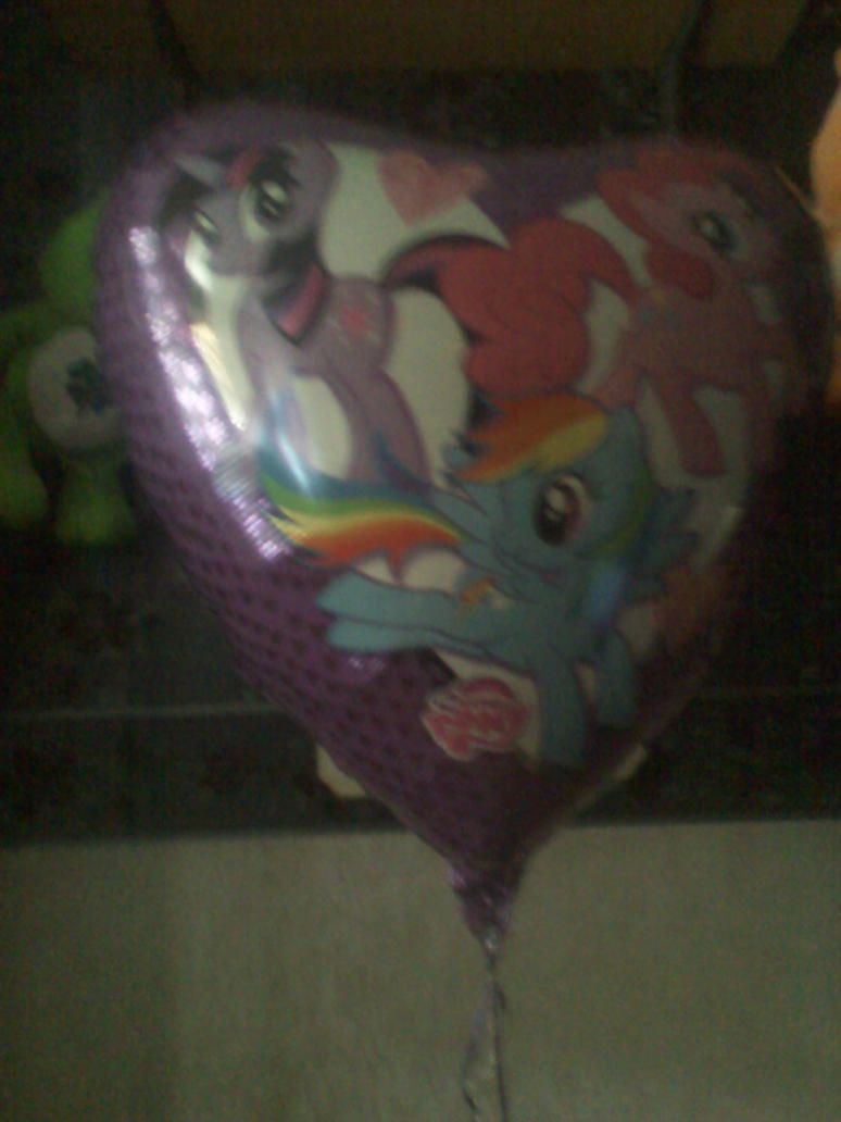 Giant MLP Balloon is Giant by TailsKriby