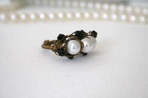 The Ants Nest Wire Ring Size 7 by FranyaBlue