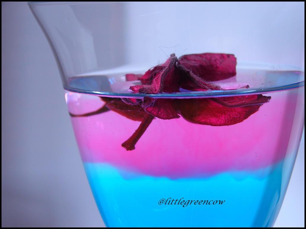 pinkyblue by littlegreencow