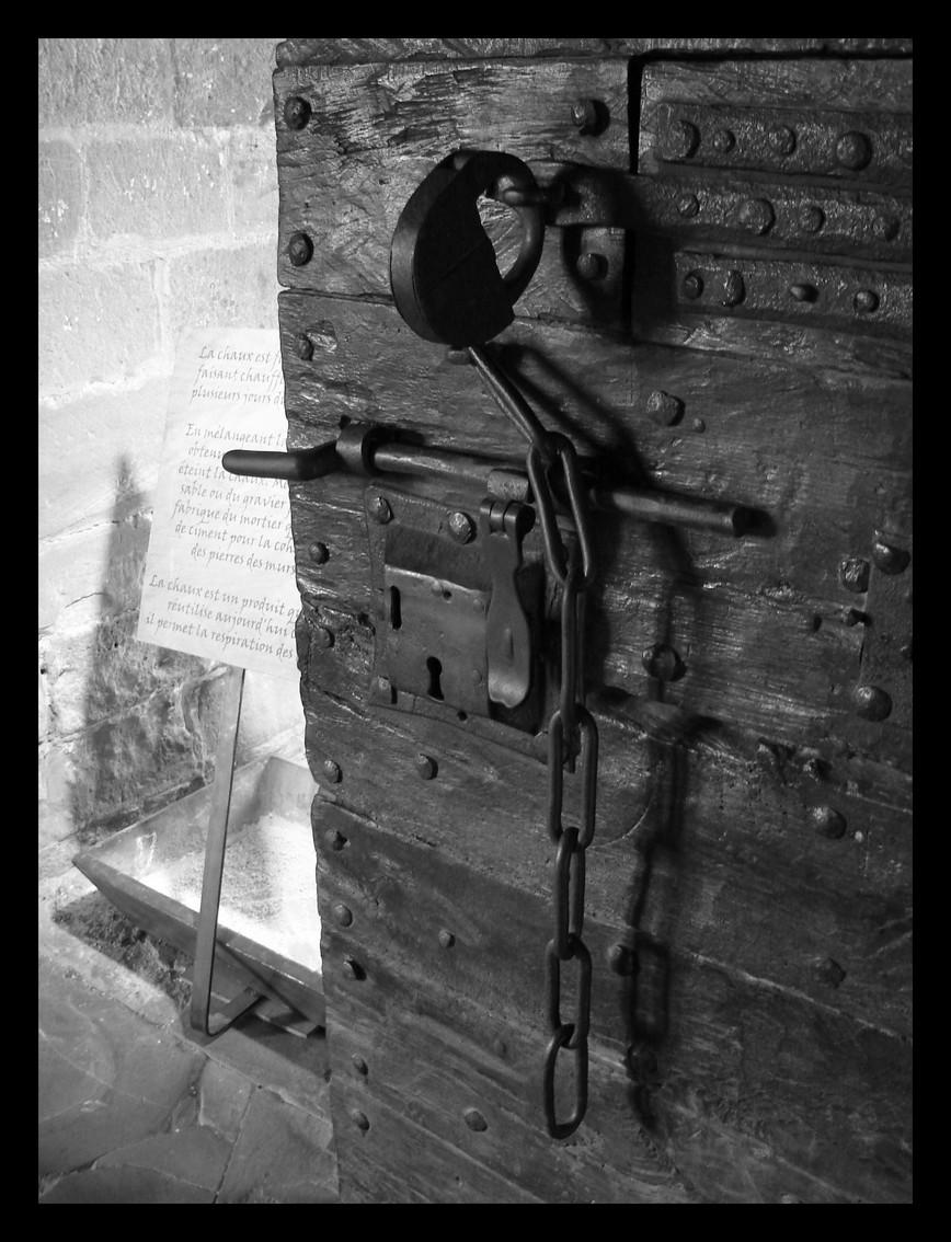 behind the door by littlegreencow