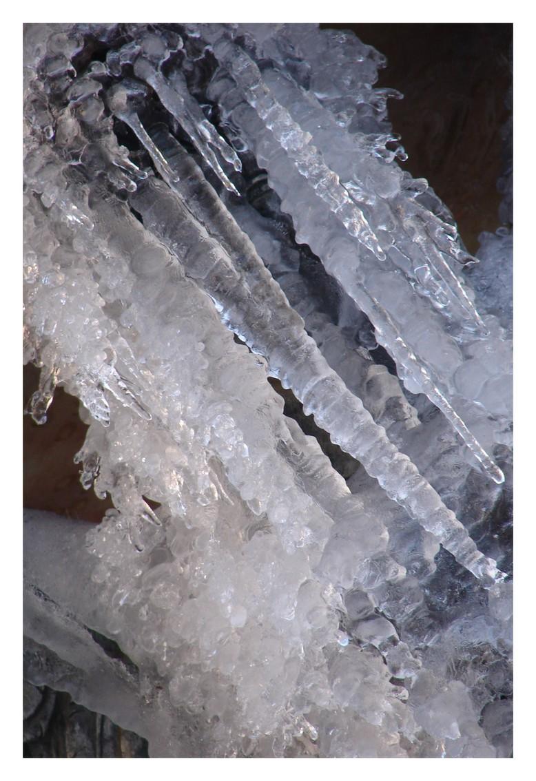 ice by littlegreencow