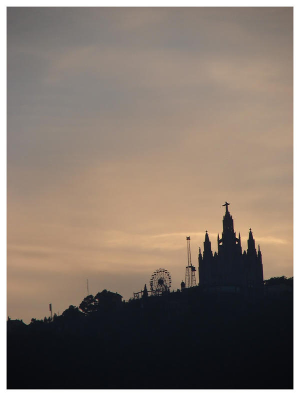Tibidabo by littlegreencow
