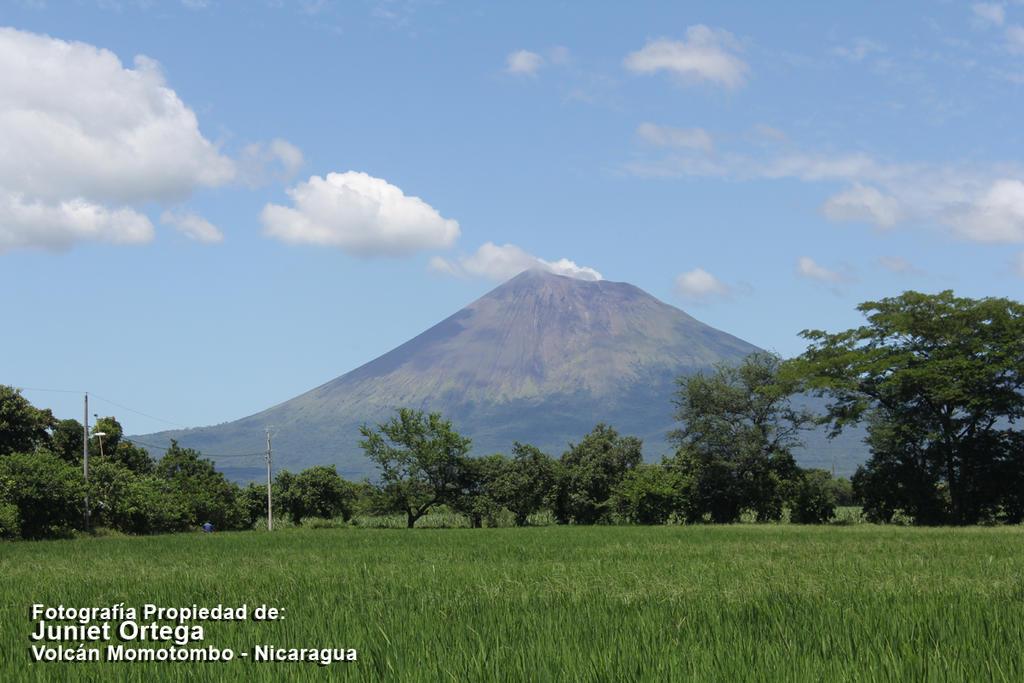 Imponente Nicaragua - Volcan Momotombo by Arashi-GEMARA