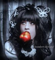 Snow White by Sannalee01