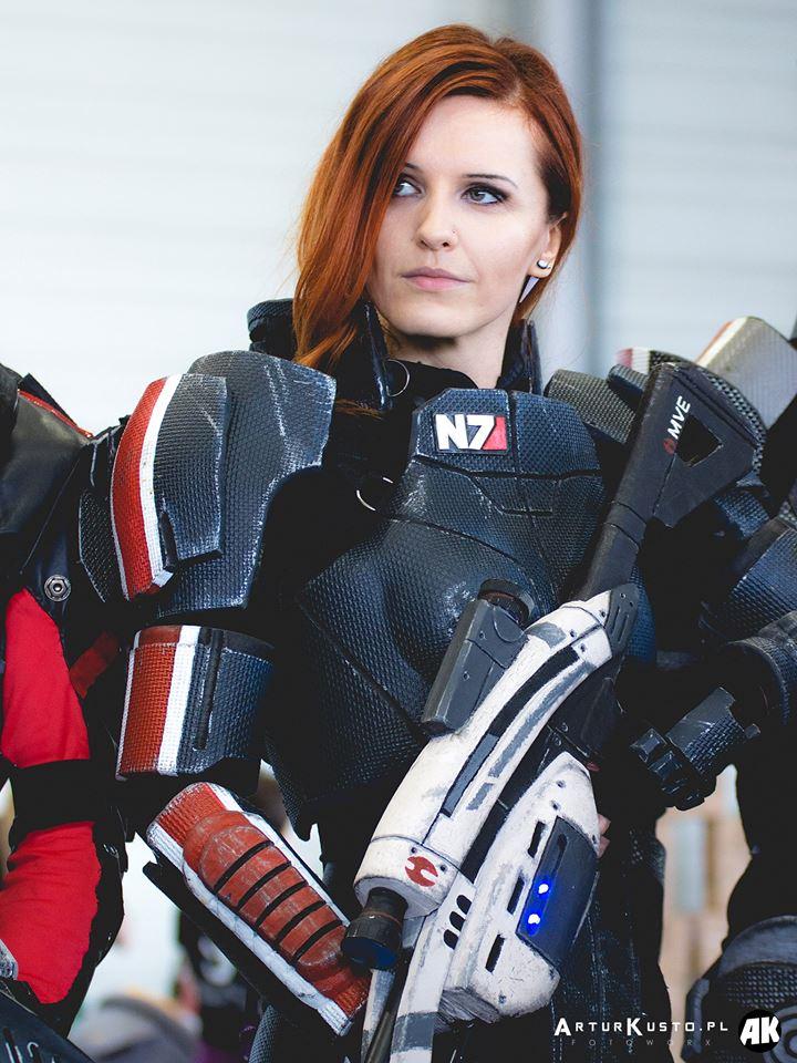 Commander Shepard Of Mass Effect Cosplay By Vocoder On