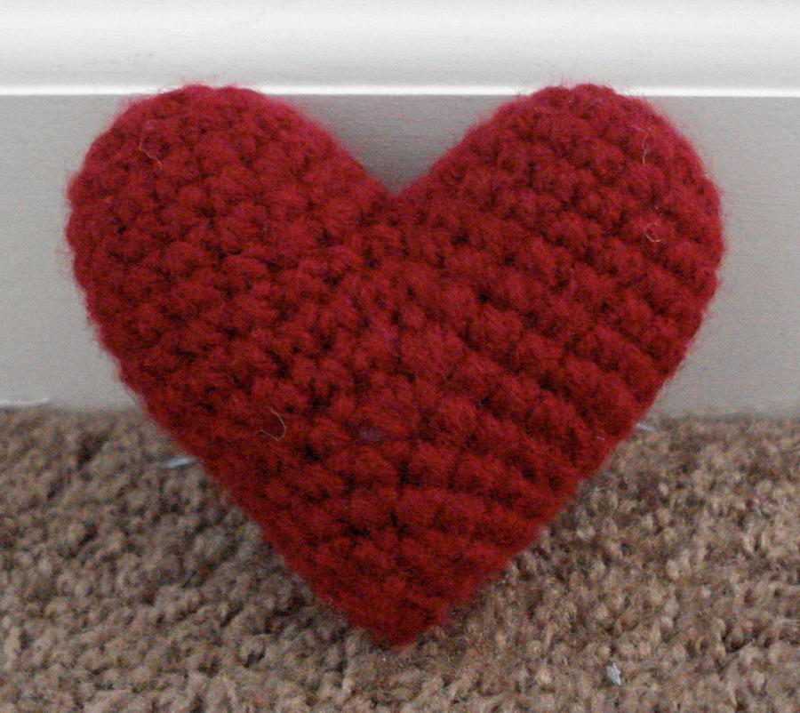 Amigurumi Keychain Pattern Free : amigurumi heart by TheArtisansNook on DeviantArt