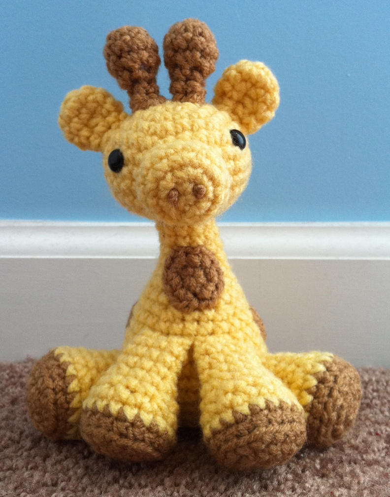 small amigurumi giraffe by TheArtisansNook on DeviantArt