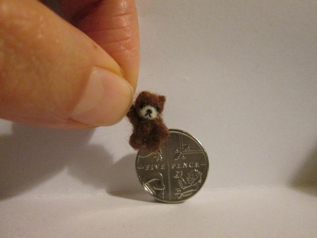 OOAK miniature jointed teddy bear extra tiny by tweebears
