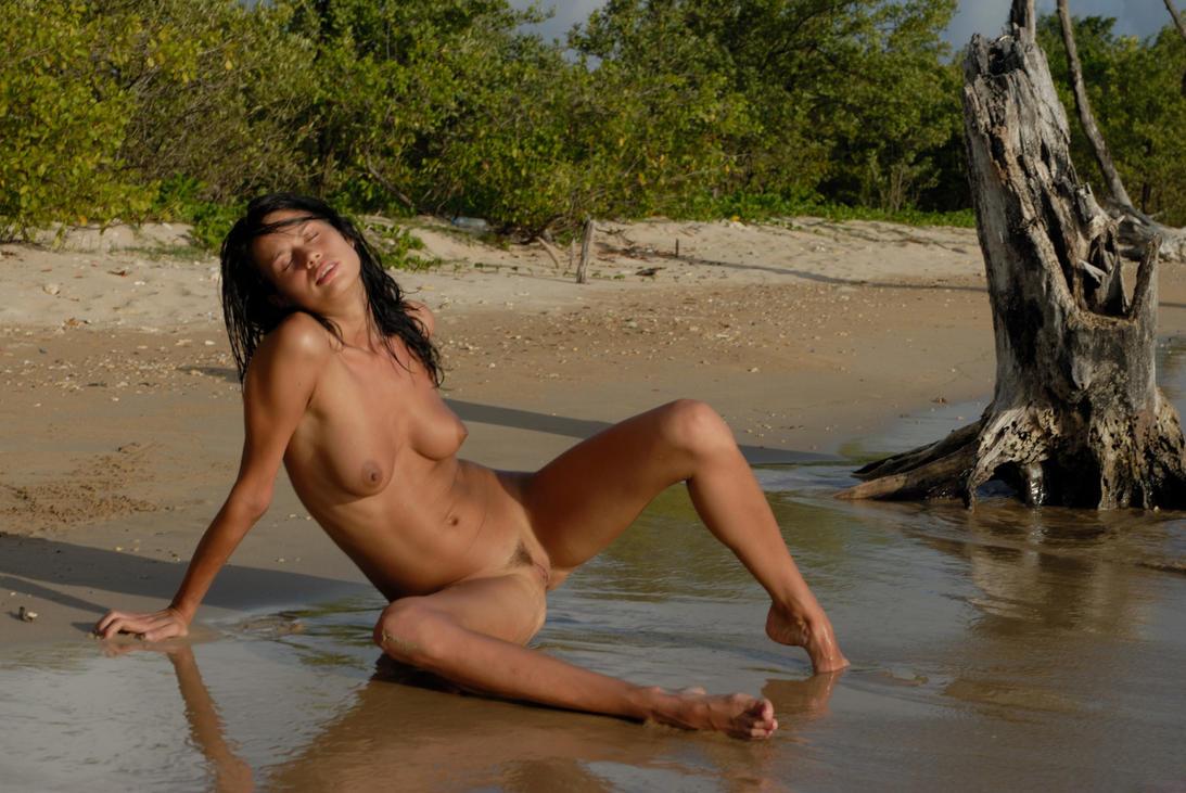 Marie la plage by louisdemirabert