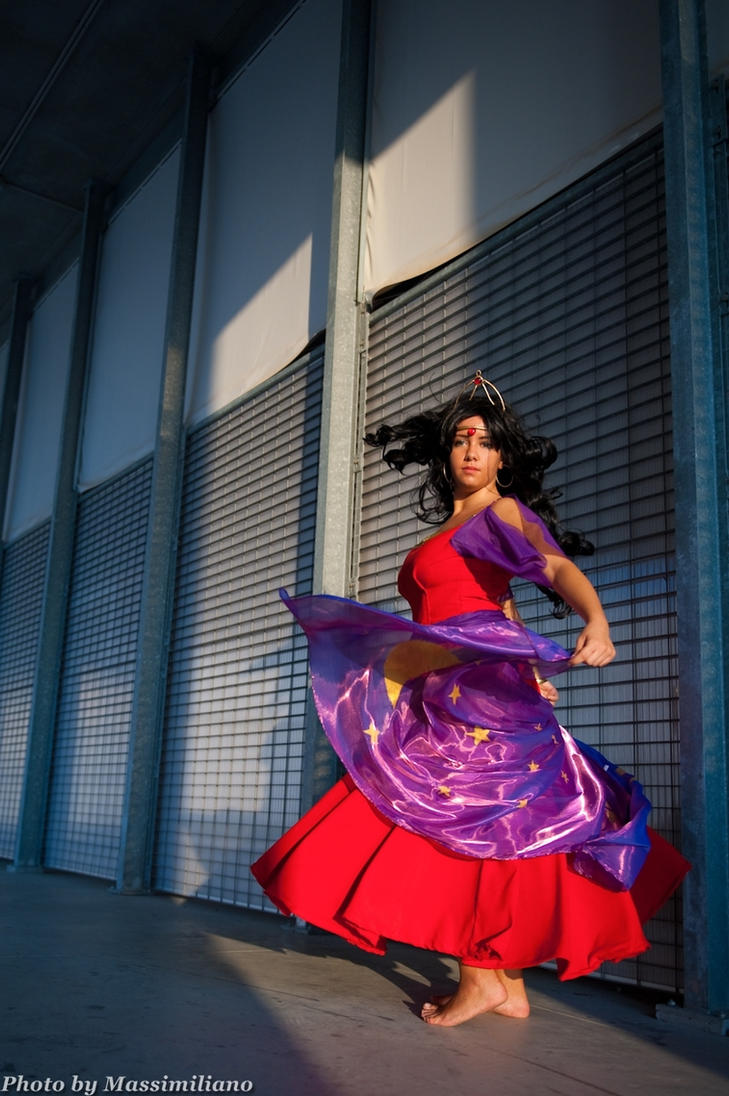 Dance by mikan-takaumi