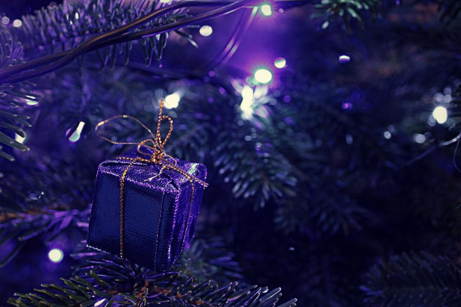 Petit Papa Noel by MalheureuxGarcon