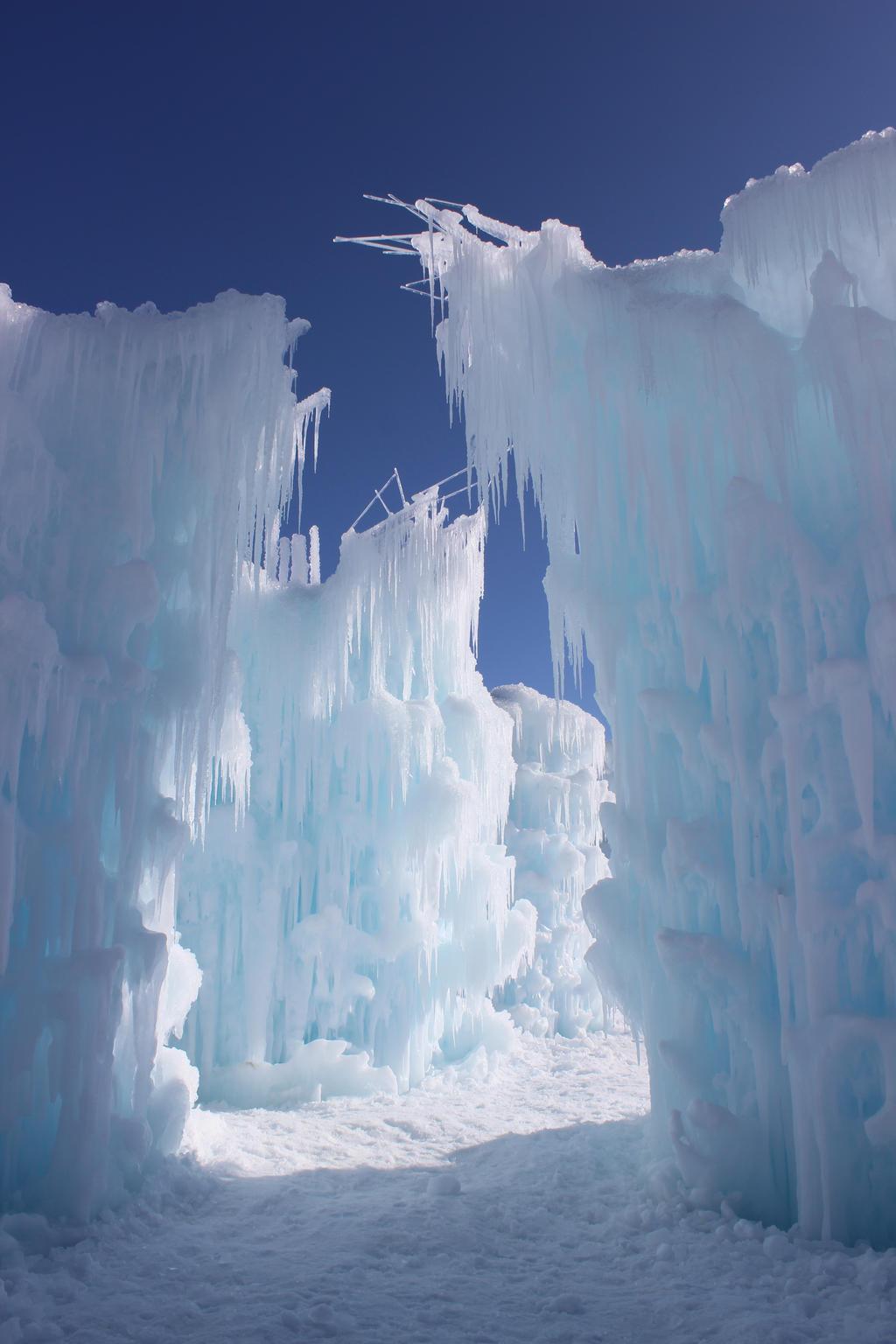 Winter Scenes - Ice Castle2 by Qrinta