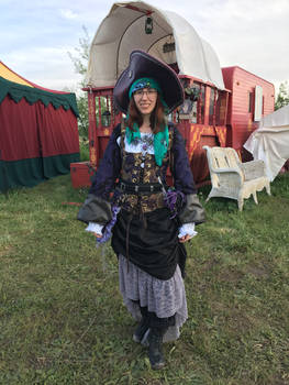 Outfit Stock: Captain Q Purple Pansy Pirates
