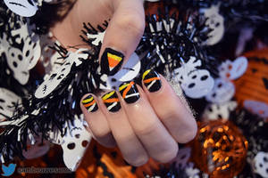 Candy Corn Nails 2017 by sambeawesome