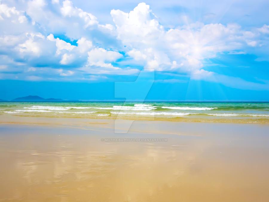 Sandy beach by MotHaiBaPhoto
