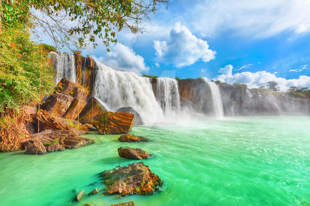 Dry Nur waterfall by MotHaiBaPhoto