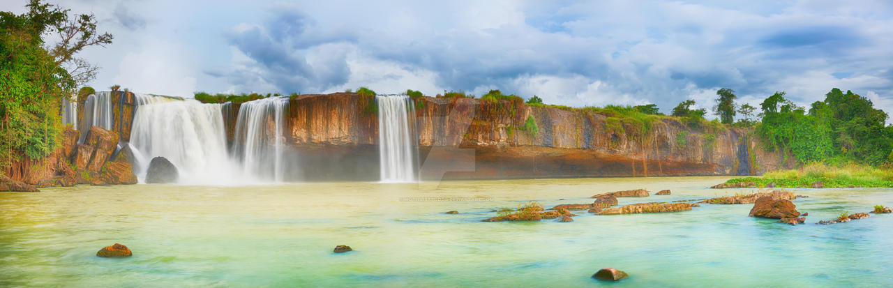 Dry Nur waterfall by MotHaiBaPhoto