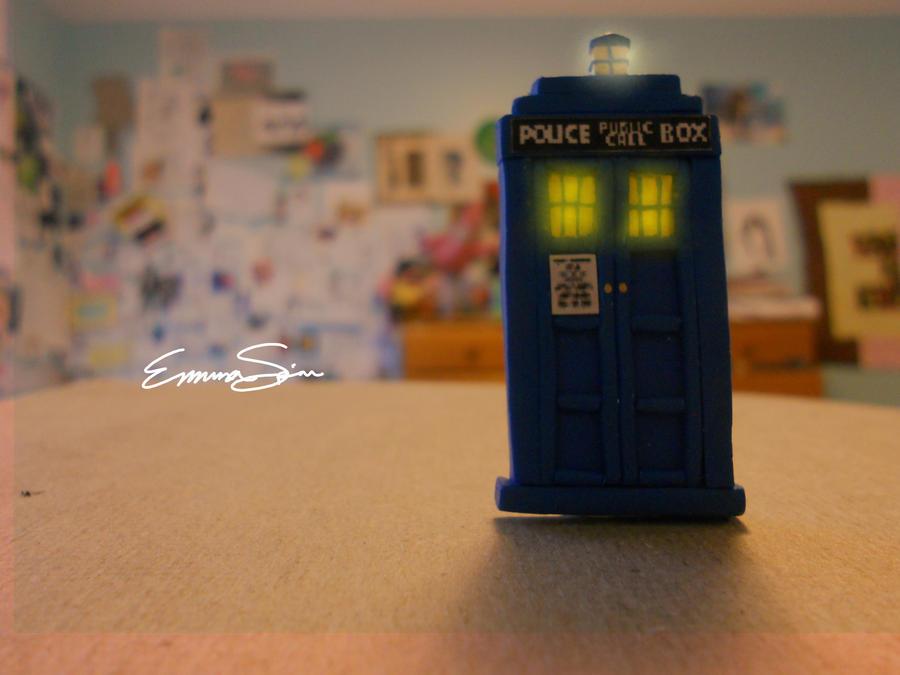 HELLO TARDISWEETIE by reztips