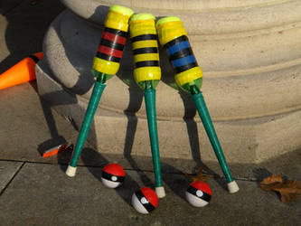 Juggling Pokeballs and Juggling Clubs by SamuraiZC
