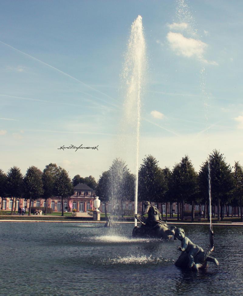 fountain by backatone