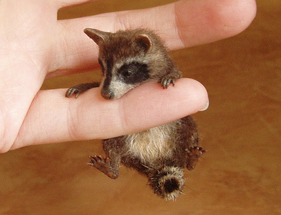 Raccoon MINIATURE SCULPTURE by pixiwillow