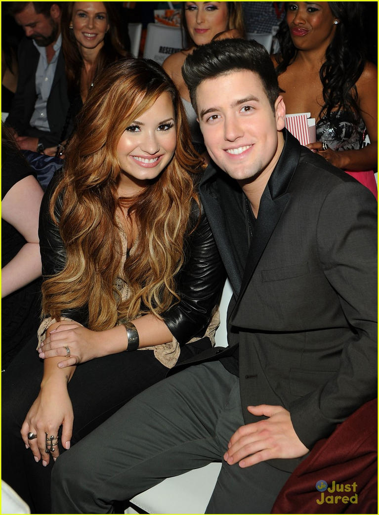 who is demi lovato dating 2014 If you were a tween or teen in the late 2000s, there's no doubt that you were likely very interested in the romantic life of disney's biggest stars including miley cyrus, the jonas brothers, selena gomez, and demi lovato — a love web so tangled, a dating map was created by e to sort it all out — and even the biggest disney fans would have.