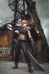 Lightning/Cloud Cosplay - Final Fantasy XIII-3/VII