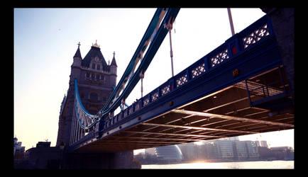 Tower Bridge by klaudelu