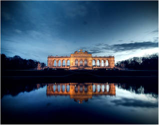 Gloriette  Schonbrunn Wien by mikeb79