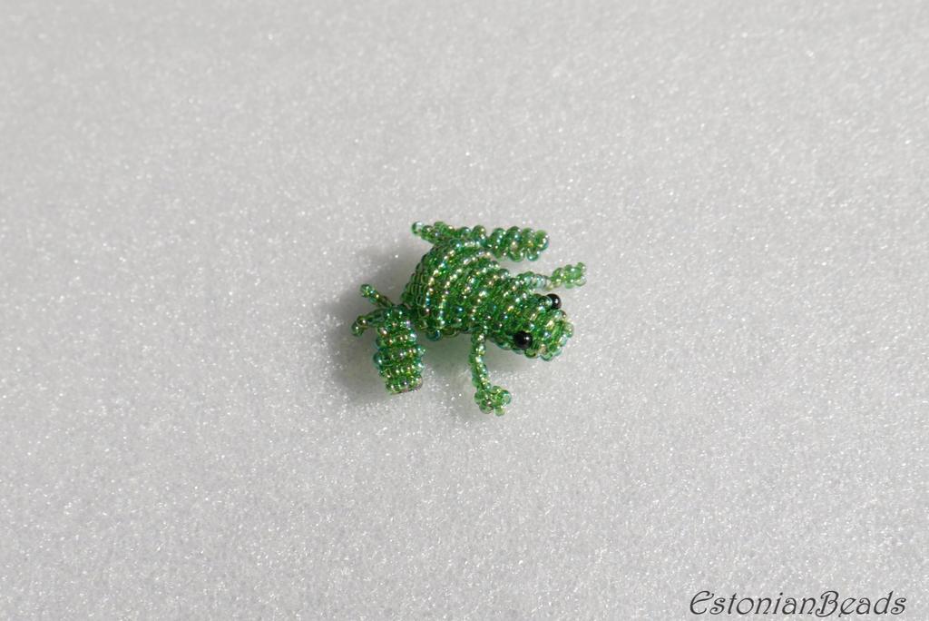 Beaded green frog by EstonianBeads