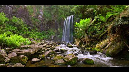 Hopetoun Falls by CainPascoe