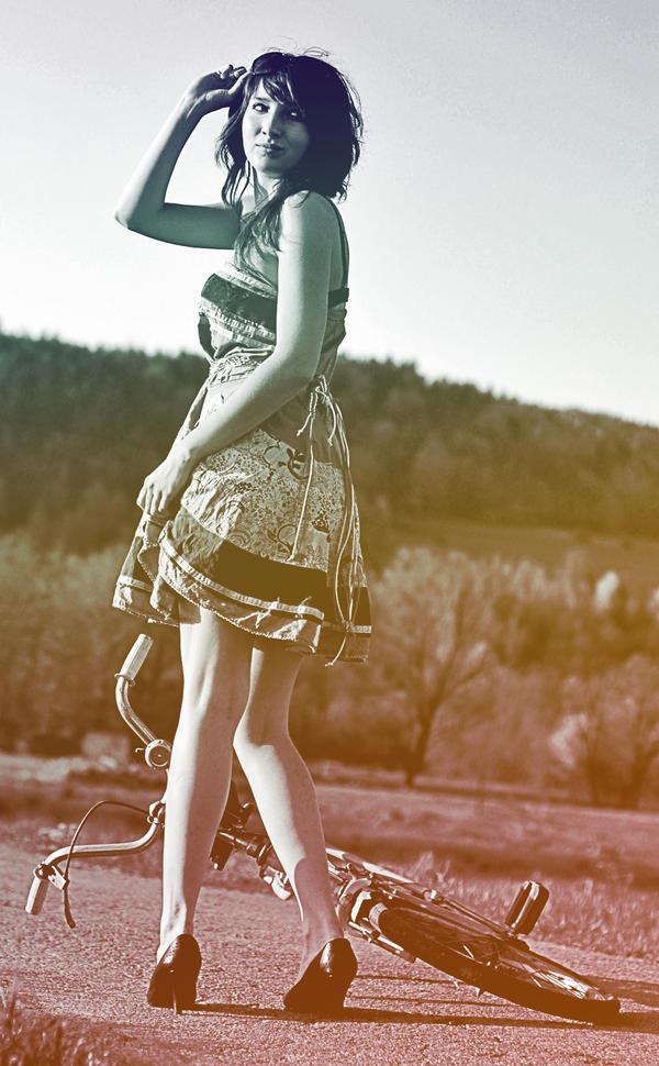 http://fc09.deviantart.net/fs44/i/2009/122/5/6/Looking_Back_by_olushia_loosiczka.jpg