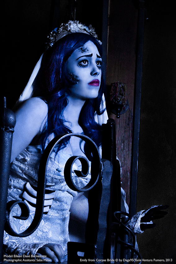 Waiting...Corpse Bride Cosplay by Nanatanebramorte