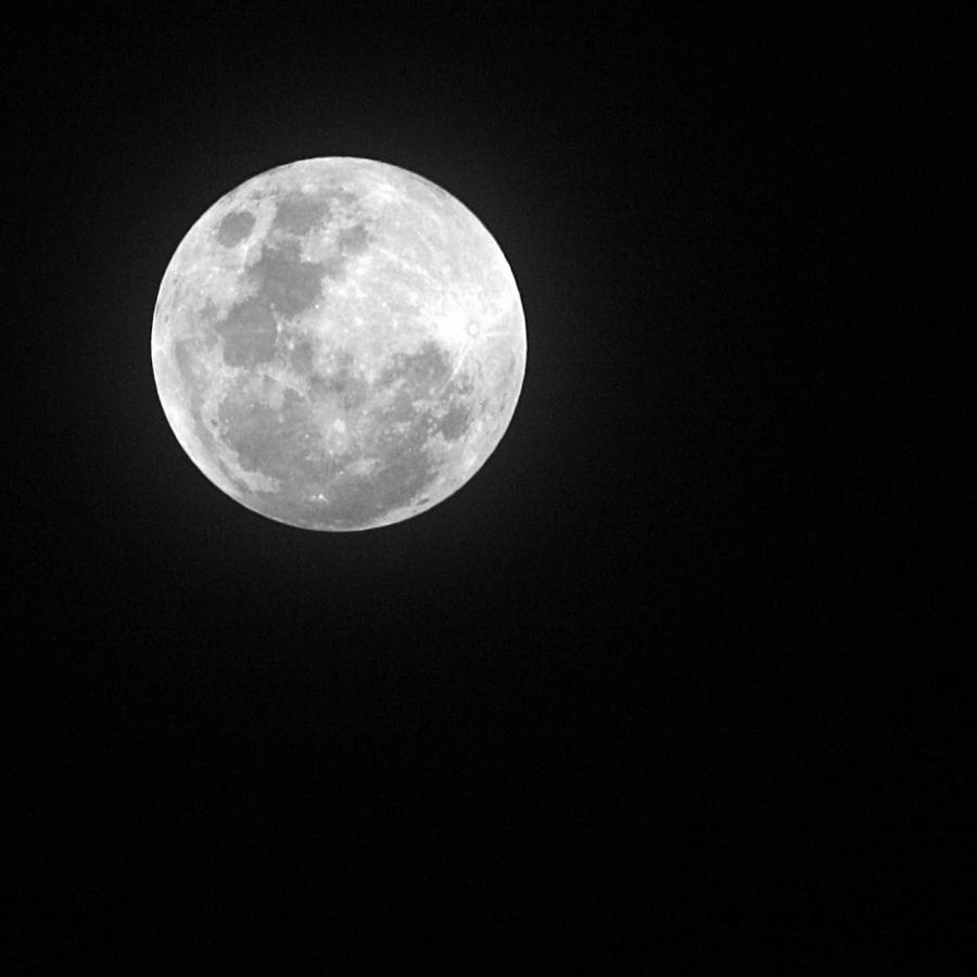 Full Moon by josgoh