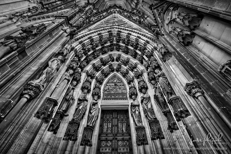Cologne Cathedral Entrance by josgoh